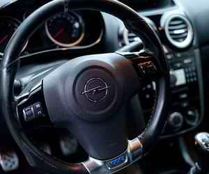 Автомобили марки Opel начнут собирать на российском автозаводе PSA Group