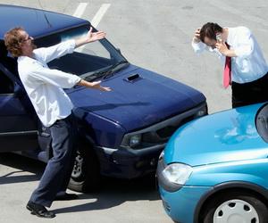 Автодилеры лоббируют ремонт автомобилей по ОСАГО только на дилерских СТО